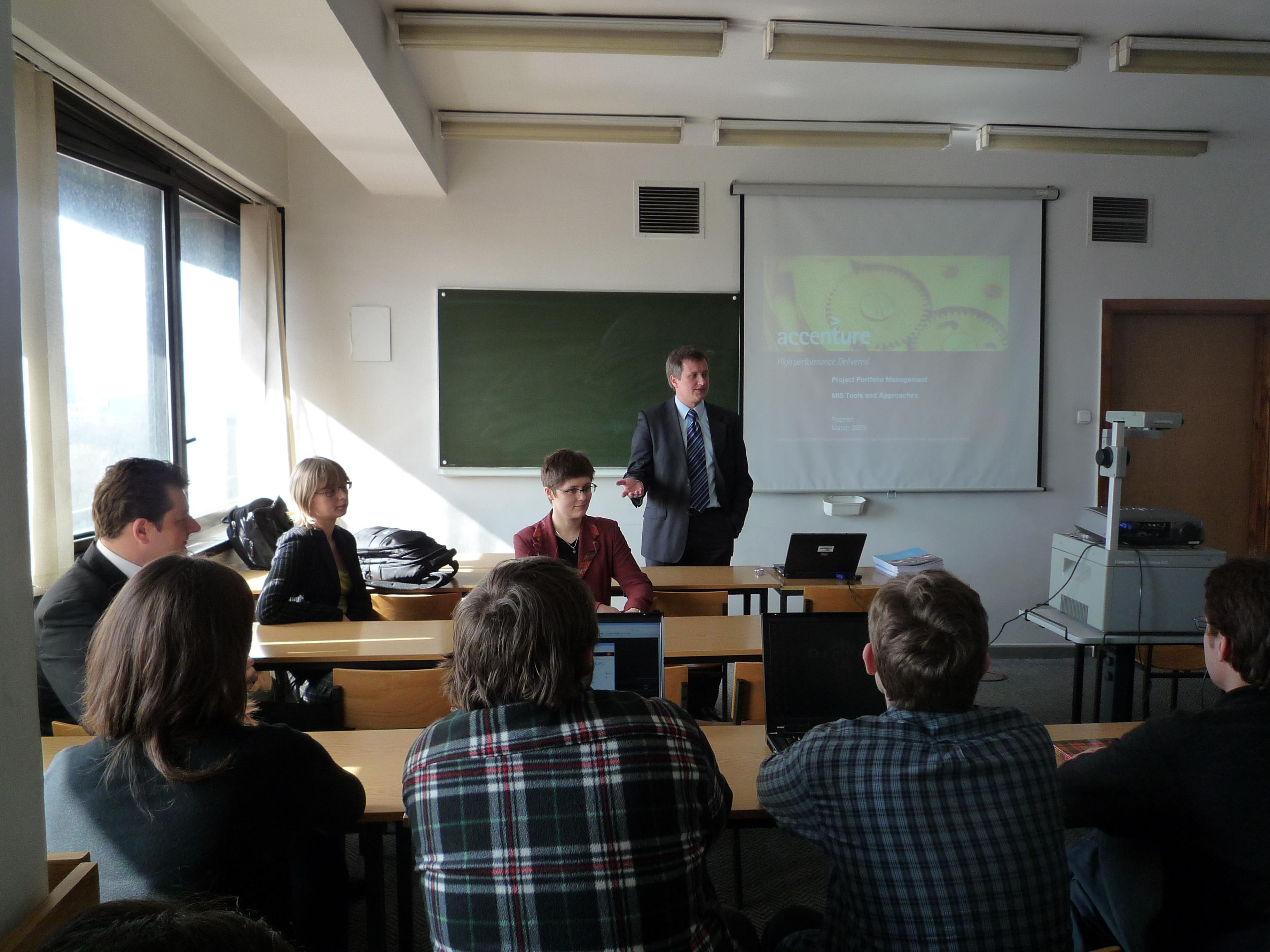 "International Workshop ""Semantic Technologies"""